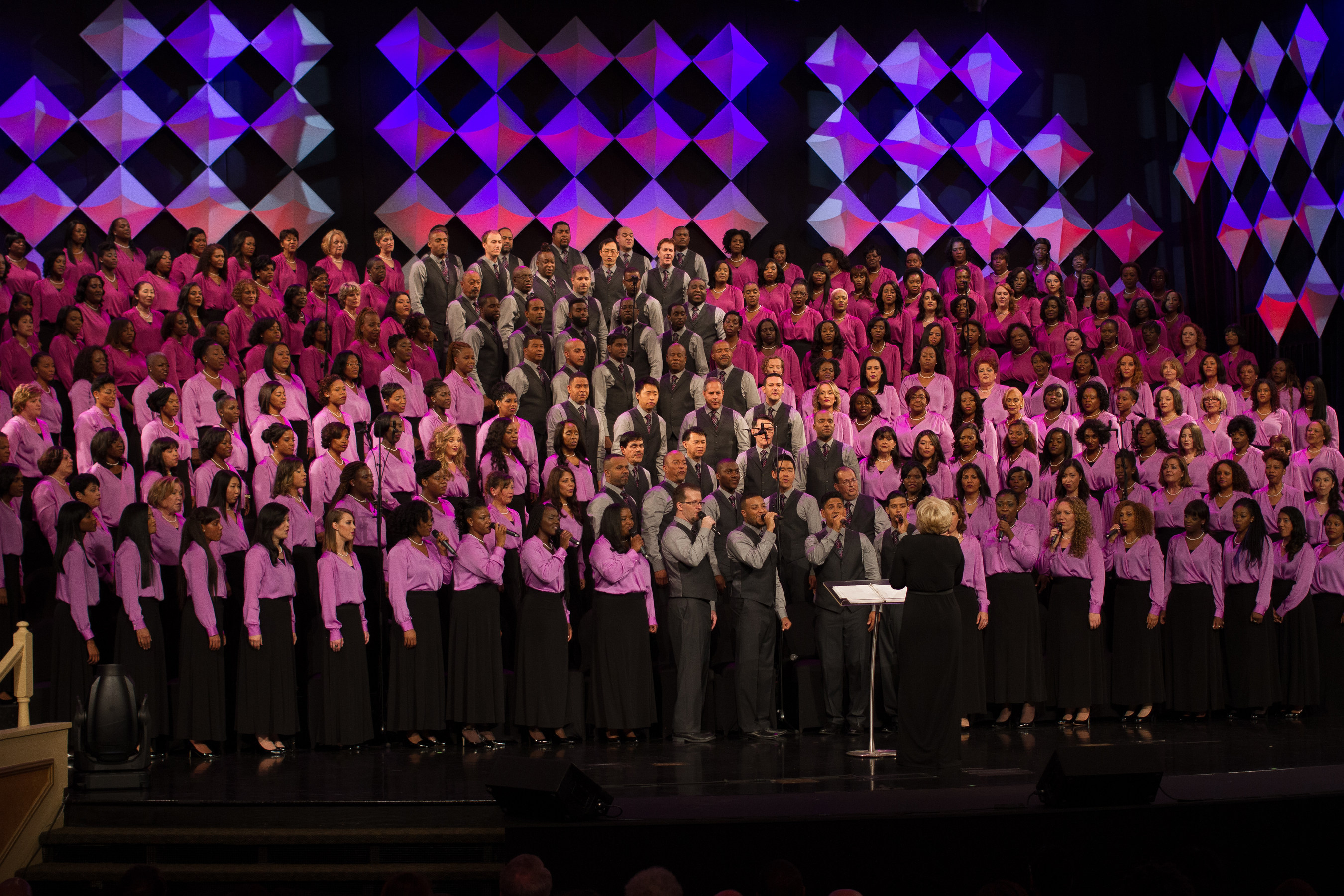 the six time grammy award winning brooklyn tabernacle choir returns to their musical roots with - Brooklyn Tabernacle Christmas Show
