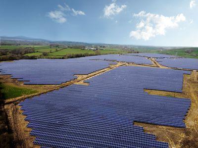 BayWa r.e. Commissions 18 MWp Solar Farm in Great Britain