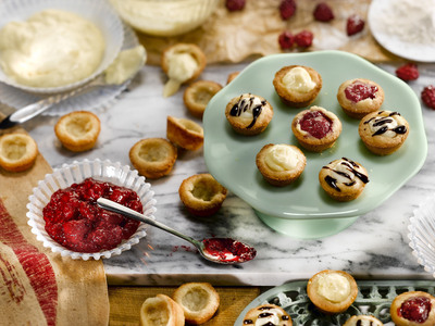 """Add Southern Corn Meal Cookie Tartlets to your list of """"go to"""" recipes this Valentine's Day. (PRNewsFoto/Martha White) (PRNewsFoto/MARTHA WHITE)"""