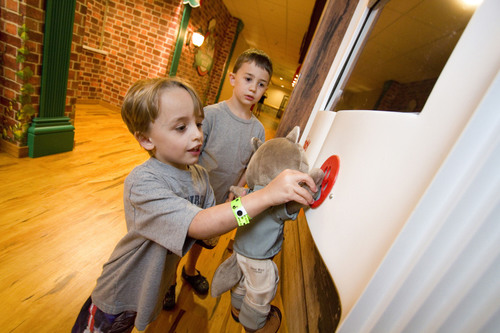 Children experiencing Great Wolf Story Explorers at Great Wolf Lodge - Pocono Mountains, PA.  (PRNewsFoto/Great  ...