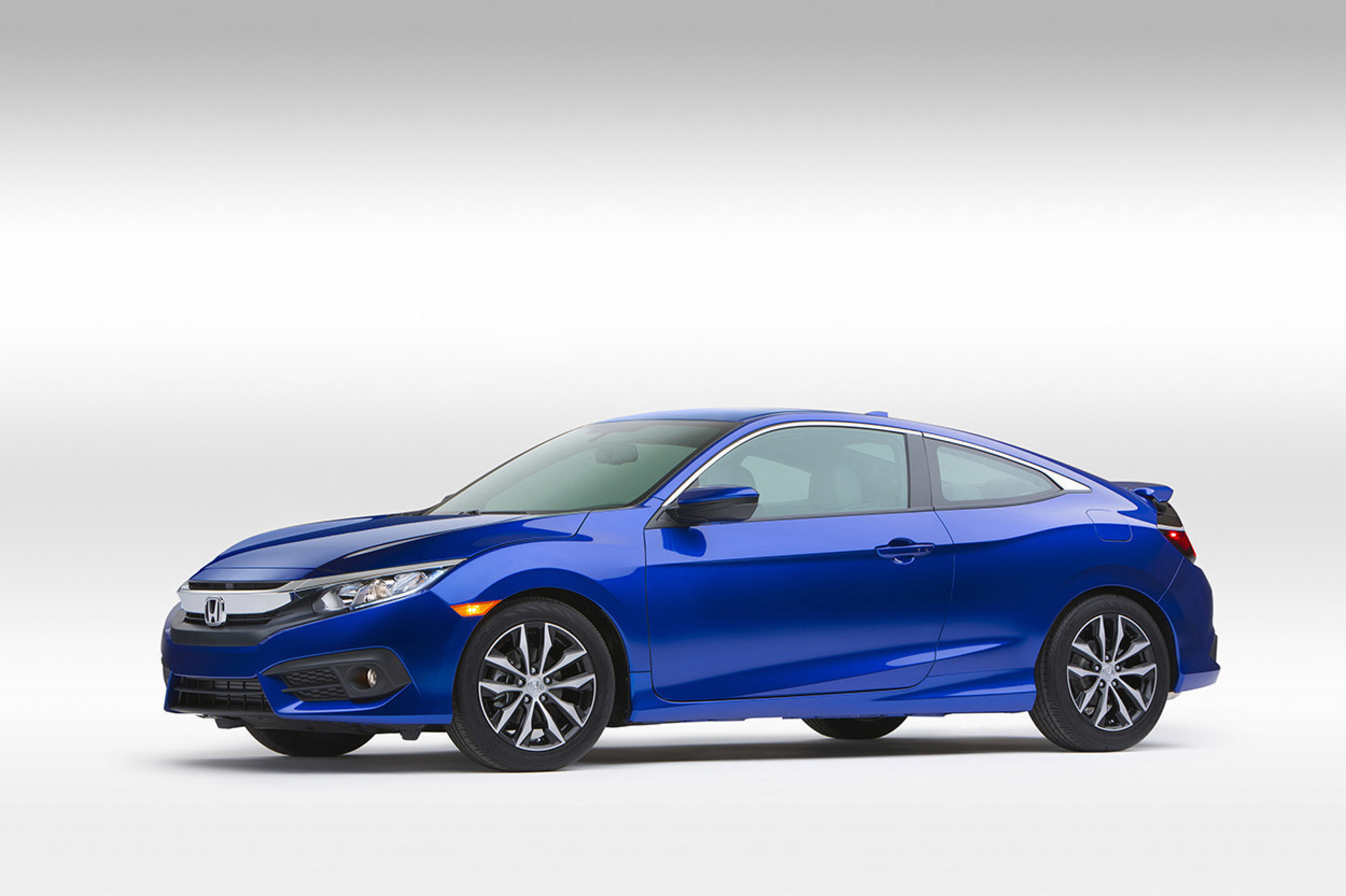 Dynamically Styled, More Powerful and Fuel-Efficient 2016 Honda Civic Coupe Makes First Public Appearance at Los Angeles Auto Show
