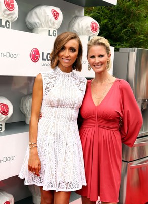 Sandra Lee and Giuliana Rancic celebrate the launch of the new LG Door-in-Door Refrigerator with CustomChill drawer at the LG Junior Chef Academy event in Los Angeles benefiting No Kid Hungry. (PRNewsFoto/LG Electronics USA)