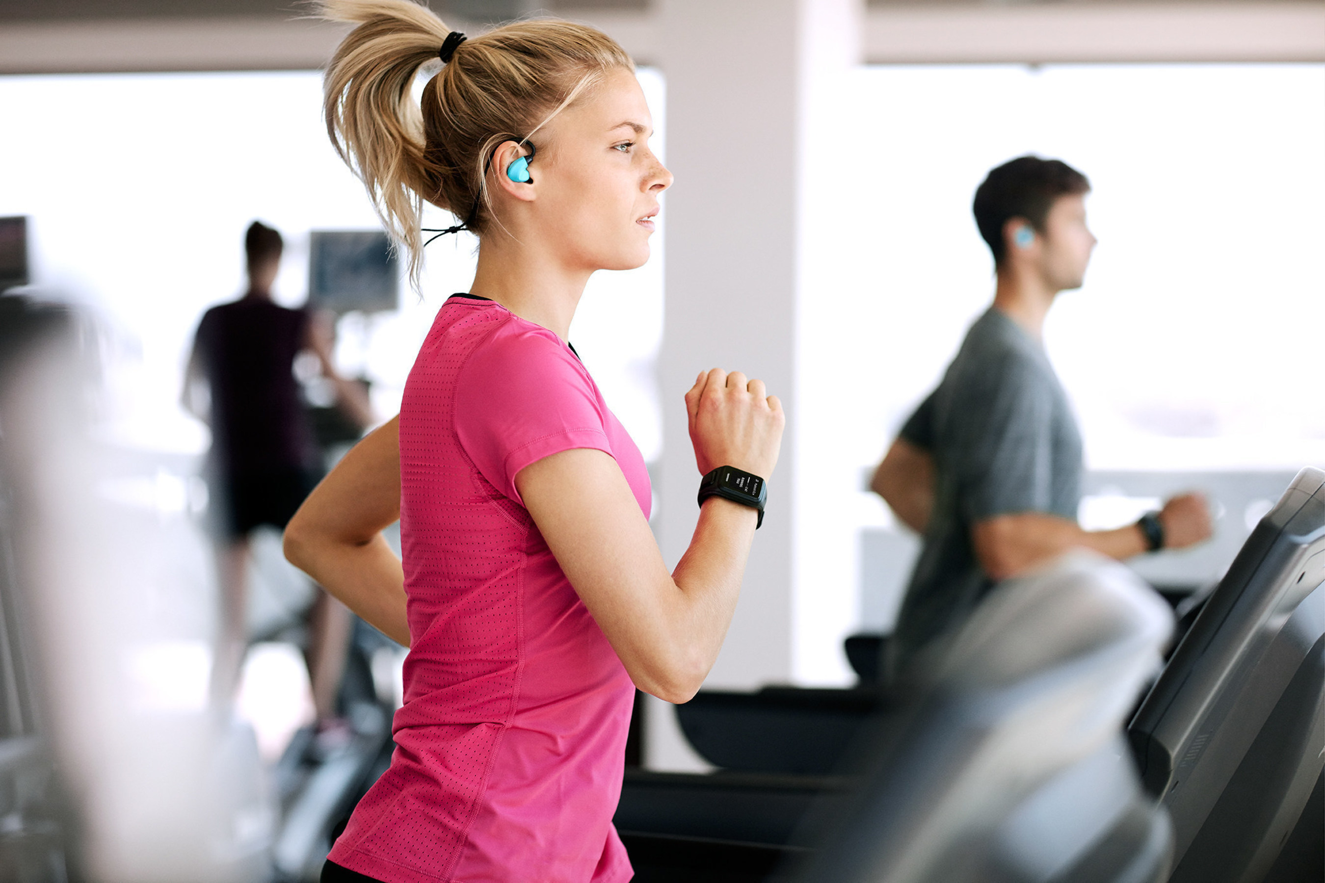 TomTom Brings The Beat To Fitness With Spark: New Wearable Featuring On-Board Music