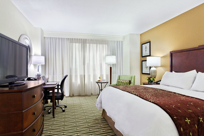 The Louisville Marriott Downtown recently underwent a $6 million dollar renovation. The new, contemporary renovation included updates to the guest rooms, suites, concierge lounge, fitness center and pool.  (PRNewsFoto/White Lodging)