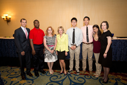 Students in Affordable Housing Receive Scholarships from Aimco and NLHA