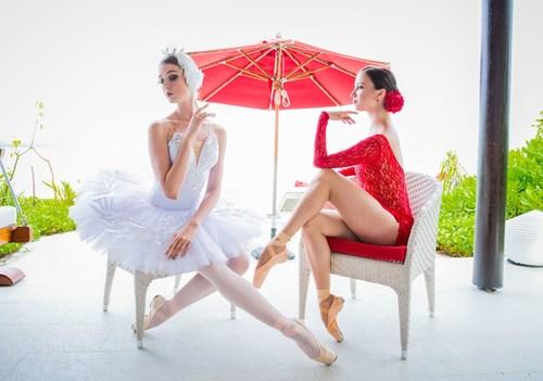 The drama, passion and intrigue of Swan Lake (Yekaterina Chebykina) and Carmen (Renata Shakirova). (PRNewsFoto/Per Aquum Hotels & Resorts)