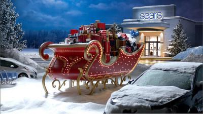 """Sears, una tienda minorista integrada lider en el mercado, esta iniciando la temporada navidena con su campana """"Bring the Sleigh"""" (Traiga el trineo), en la que presenta comodidades de compra en linea, en la tienda y por celular, como la Recogida en el Vehiculo, que permite a los compradores recoger sus compras en linea en cualquier tienda Sears en menos de cinco minutos sin bajar de su vehiculo. Sears anuncio tambien que abrira sus puertas desde las 6 p.m. el Dia de Accion de Gracias."""