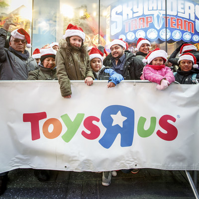 "Toys""R""Us announces 2015 Thanksgiving weekend hours"