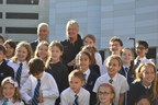 Mayor Rahm Emanuel with Principal Mel Curtis and the British International School of Chicago, Lincoln Park choir.