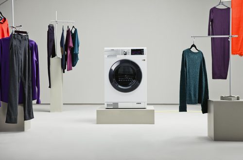 The AEG OKOKombi Plus is the world's most energy efficient washer dryer and the first to be heat pump powered. (PRNewsFoto/AEG and Ecotricity)