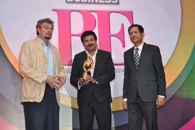 Zee Business Award received by Mr. Jacob Mathew, Head Image & Communication from Mr. David Forbes, President and CEO, Forbes Consulting Group and Mr. Atul Nishar, Chairman, Hexaware Technologies