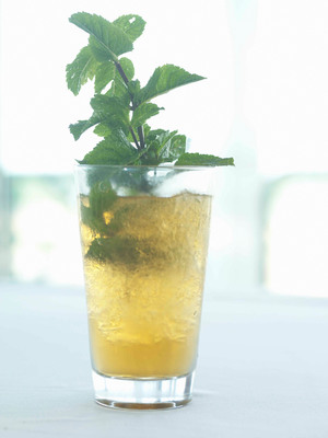Official Kentucky Derby Mint Julep Recipe from Levy Restaurants Executive Chef Jo-Jo Doyle.  (PRNewsFoto/Levy Restaurants)