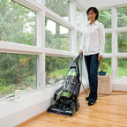 BISSELL Introduces Total Floors(R) Pet Vacuum to Tackle Hair and Odors.  (PRNewsFoto/BISSELL Homecare, Inc.)