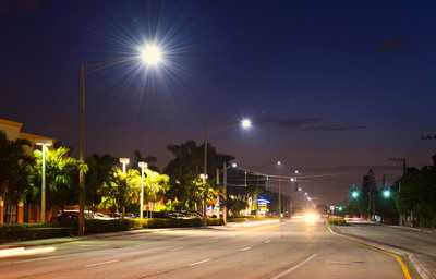 "Evolucia bright white Aimed Optics LED light sources eliminate the ""zebra effect""--dark and light shadowing caused by pole heights, spacing and older lighting technology along Pompano Beach's Copans Road. Evolucia's Aimed Optics technology platform and energy efficient LED street lighting increased visibility, improved safety and security and drastically cuts maintenance costs.  (PRNewsFoto/Evolucia Inc.)"