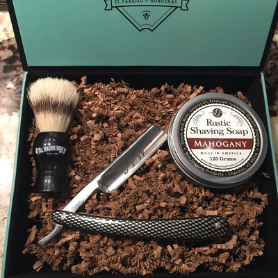 Straight Razor Shaving Gift Box Makes The Perfect Gift For Men