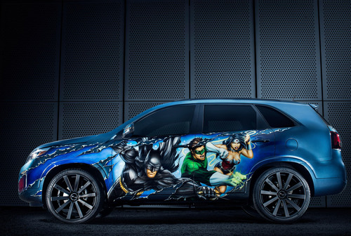 "The special edition Justice League Kia Sorento is being auctioned off as part of DC Entertainment's ""We Can Be Heroes"" campaign.  (PRNewsFoto/Bill Jacobs Automotive Group)"