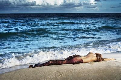 David Drebin (B. 1970 - ), Mermaid in Paradise I, 2014, Digital C Print