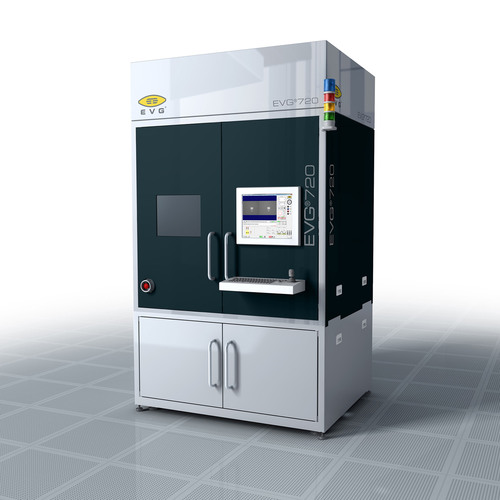 The EVG(r)720 automated UV-NIL system provides full-field imprint lithography with an integrated soft stamp/template fabrication capability.  Enabling throughputs of more than 60 wph with the lowest CoO, it can print nanostructures as small as 40 nm over a large area in volume production.  It is ideally suited for manufacturing optics, photonics, LEDs, microfluidics and other bioMEMS devices, as well as advanced data storage devices.  (PRNewsFoto/EV Group)