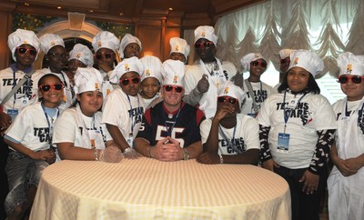 Houston Texans two-time Pro Bowl player Chris Myers joins team of local Boys & Girls Club kids for special Jr. Training Camp@Sea event aboard Emerald Princess in the Port of Houston.