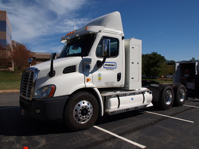 Penske will serve as both an exhibitor and thought leader at the 2014 Alternative Clean Transportation (ACT) Expo in Long Beach, Calif.  (PRNewsFoto/Penske Truck Leasing)