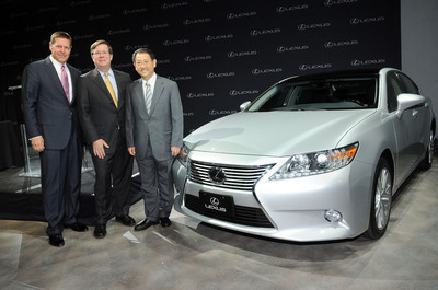 Mark Templin, executive vice president of Lexus International (left to right), Jim Lentz, chief executive officer, North America Region and president and chief operating officer of Toyota Motor North America, Inc., and Akio Toyoda, president of Toyota Motor Corporation, stand with a Lexus ES 350, which will be assembled at the Georgetown, Ky., plant starting in 2015. Senior executives in New York and Kentucky made the announcement April 19, 2013.   (PRNewsFoto/Toyota)