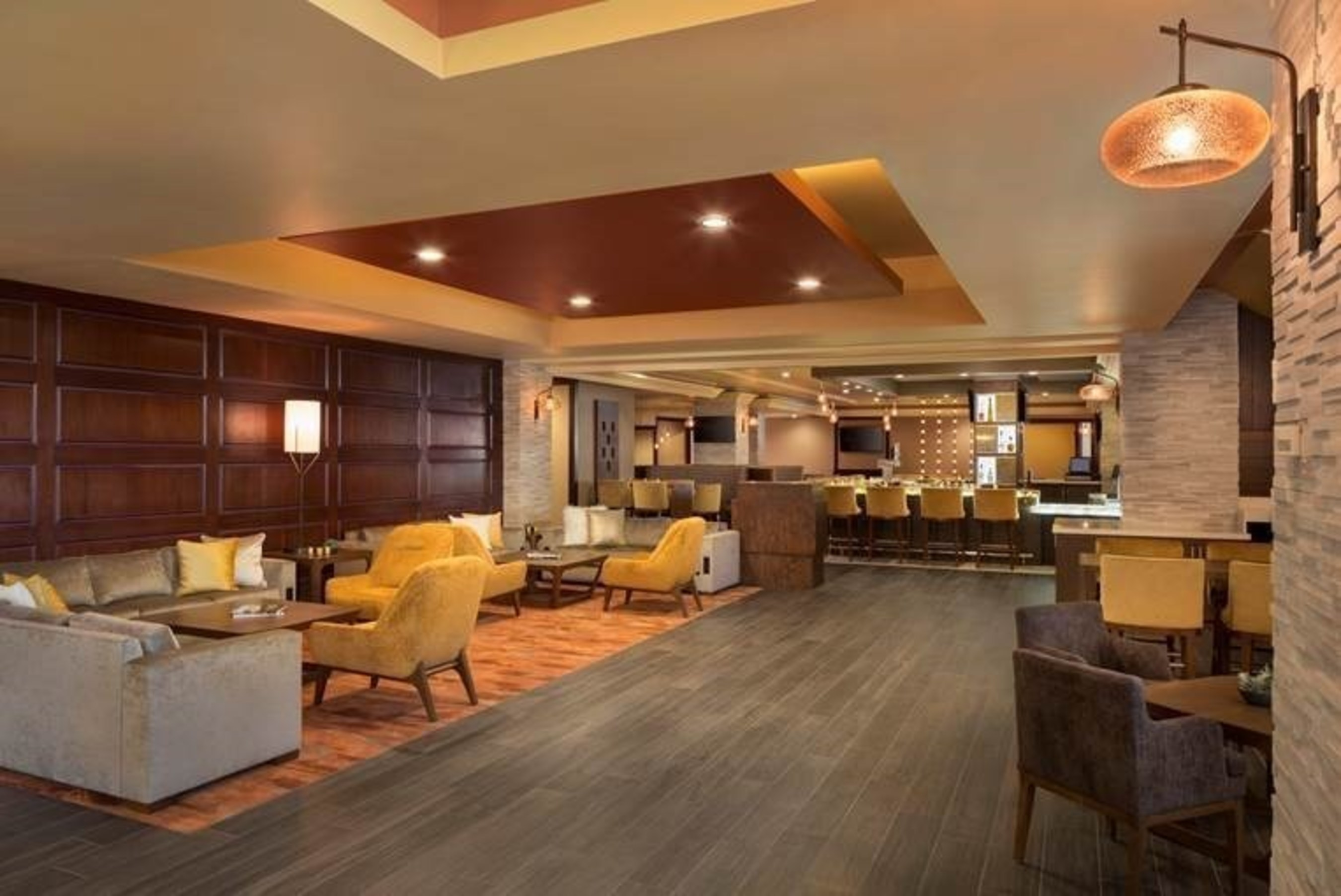 Monterey Marriott has just completed a $2.4 million renovation to offer guests comfortable places to meet, mingle, relax and dine in style. The lobby, Great Room and Fin + Field restaurant under Chef Samuel Santos were recently unveiled. For information, visit www.marriott.com/MRYCA or call 1-831-649-4234.