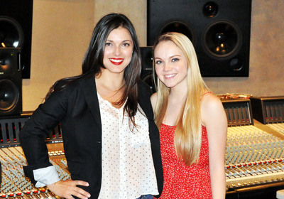 Launching new G-Major Management, Live Nation Entertainment partners with veteran music manager Virginia Davis, pictured with season four winner of NBC's The Voice Danielle Bradbery.  (PRNewsFoto/Live Nation Entertainment)