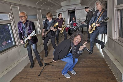 'The Best of Foreigner 4 & More' Out December 16th (photo credit: Bill Bernstein)