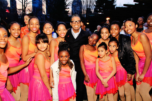 Fashion Designer and Figure Skating in Harlem Honoree B Michael with young skaters at the 2013 Skating with the Stars Gala.  (PRNewsFoto/b michael AMERICA)