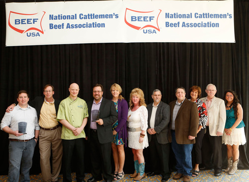 The 2012 National Foodservice Beef Backer Winners from left to right: Jud McMichael, Stefan Johnson with Webster's Prime; Dusty Swenningson, Dale Zimmerman, and Melodie Zimmerman with Peacock Alley American Grill and Bar; Billie Jo Walls, Todd Hill, Mark Spinazzola, Nancy Campbell, Bill Campbell, and Bridget Chesnut with Hoss's Steak & Sea House.  (PRNewsFoto/Beef Checkoff)