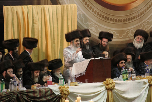 Satmar Grand Rabbi in Fiery Speech to 30,000 Condemns Those Who Bash President Obama, Says Central