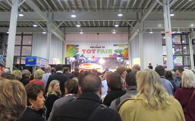 Toy Fair 2012 Crowd(PRNewsFoto/Toy Industry Association)