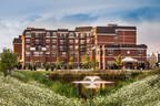 North Shore Place, Senior Lifestyle Corporation's first Signature Collection assisted living and memory care community, opened in Northbrook, Ill. (PRNewsFoto/Senior Lifestyle Corporation)