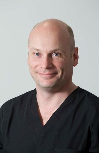 Dr. Chris Pumford of Dental Inspirations First to be Awarded FastbracesÂ(R) Master Affiliate Status in Scotland (PRNewsFoto/Dental Inspirations)