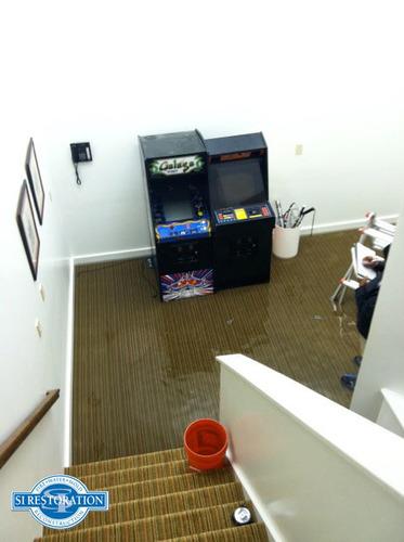 Sewage Damage (PRNewsFoto/SI Restoration)