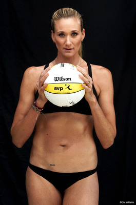National Honey Board Serves up a Golden Partnership with 3-time Gold Medalist Kerri Walsh Jennings. Photo courtesy of Eric Williams.  (PRNewsFoto/National Honey Board, Eric Williams)