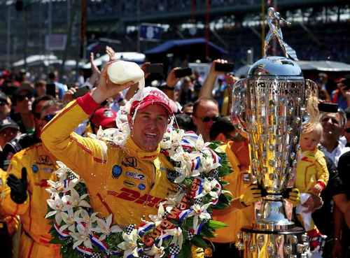 Honda Powers Ryan Hunter-Reay to First Victory in 2014 Indy 500 (PRNewsFoto/American Honda Motor Co., Inc.)
