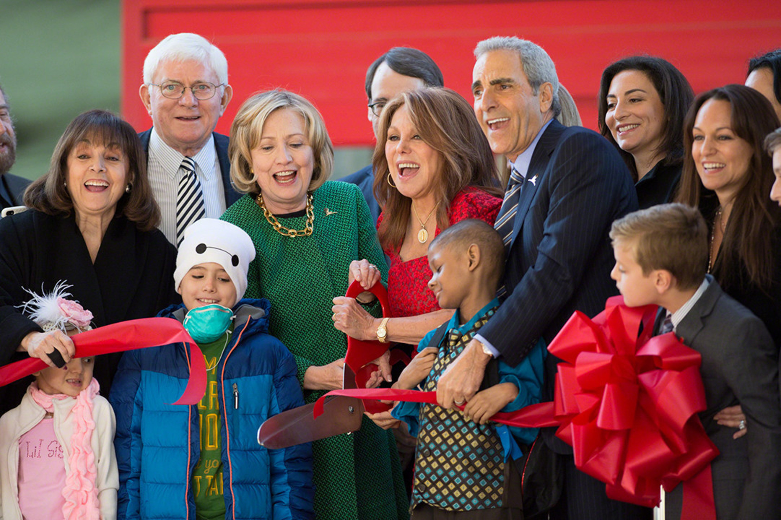 St Jude Children S Research Hospital Unveils Marlo Thomas
