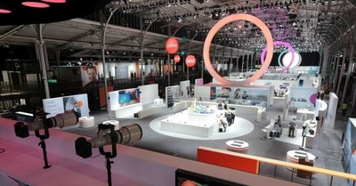 Canon Unveils New Possibilities in the World of Imaging at EXPO Paris 2015