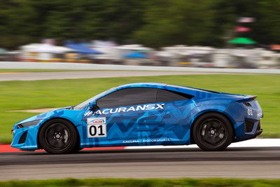 The Acura NSX Prototype makes its public running debut at Mid-Ohio.  (PRNewsFoto/Acura)