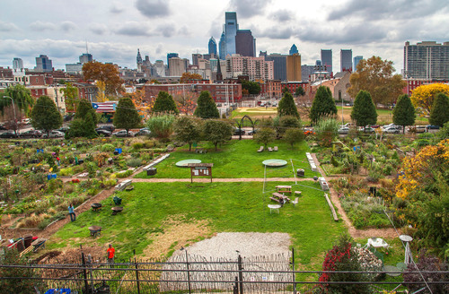Community garden located in Philadelphia's Spring Garden neighborhood.  (PRNewsFoto/Greater Philadelphia Tourism Marketing Corporation, R. Kennedy for GPTMC)