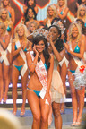 Lindsey Way is Crowned Miss Hooters International 2011.  (PRNewsFoto/Hooters of America, LLC)