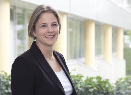 Ulrike Verzetnitsch, Chief Technical Officer, apceth GmbH & Co.KG (PRNewsFoto/apceth)