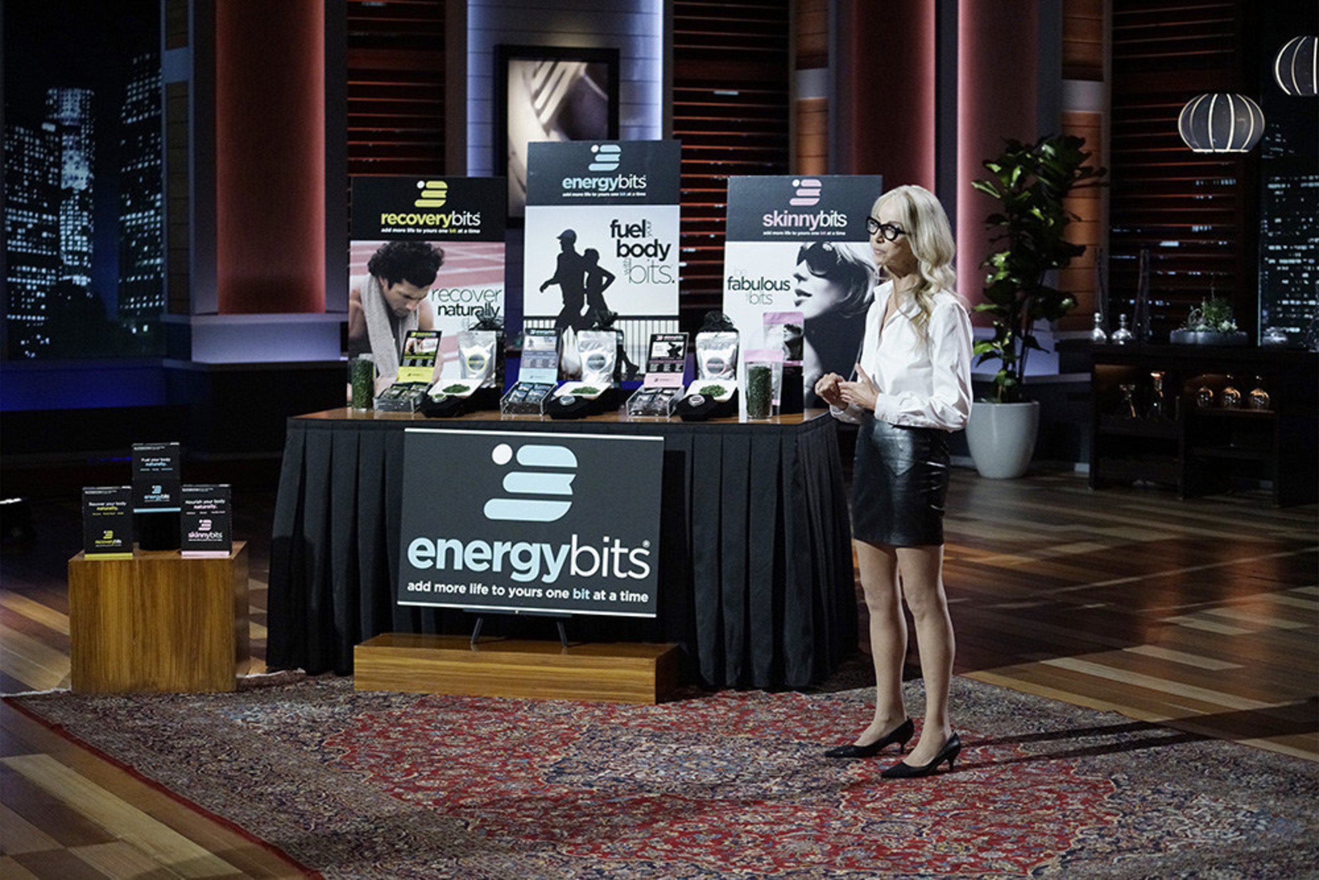 "ENERGYbits Founder and CEO Catharine Arnston pitches her algae tablets called ""bits"" to the Sharks on ""Shark Tank"". Will they take the bite and invest in her algae tablets? ENERGYbits are the first company to make algae easy fast and fun. Their ""bits"" are the most natural way to increase your energy. And who doesn't want that."