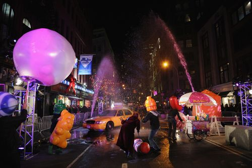 King celebrates the launch of Candy Crush Soda Saga on Broadway in New York City (PRNewsFoto/King Digital)