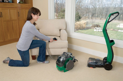 The BISSELL Lift-Off(R) Deep Cleaner Functions as 2 Machines in 1.  (PRNewsFoto/BISSELL Homecare, Inc.)
