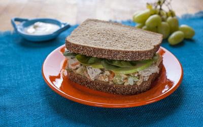 GRAND PRIZE WINNING SANDWICH: Fast 'N' Fresh Curried Chicken Salad Sandwich