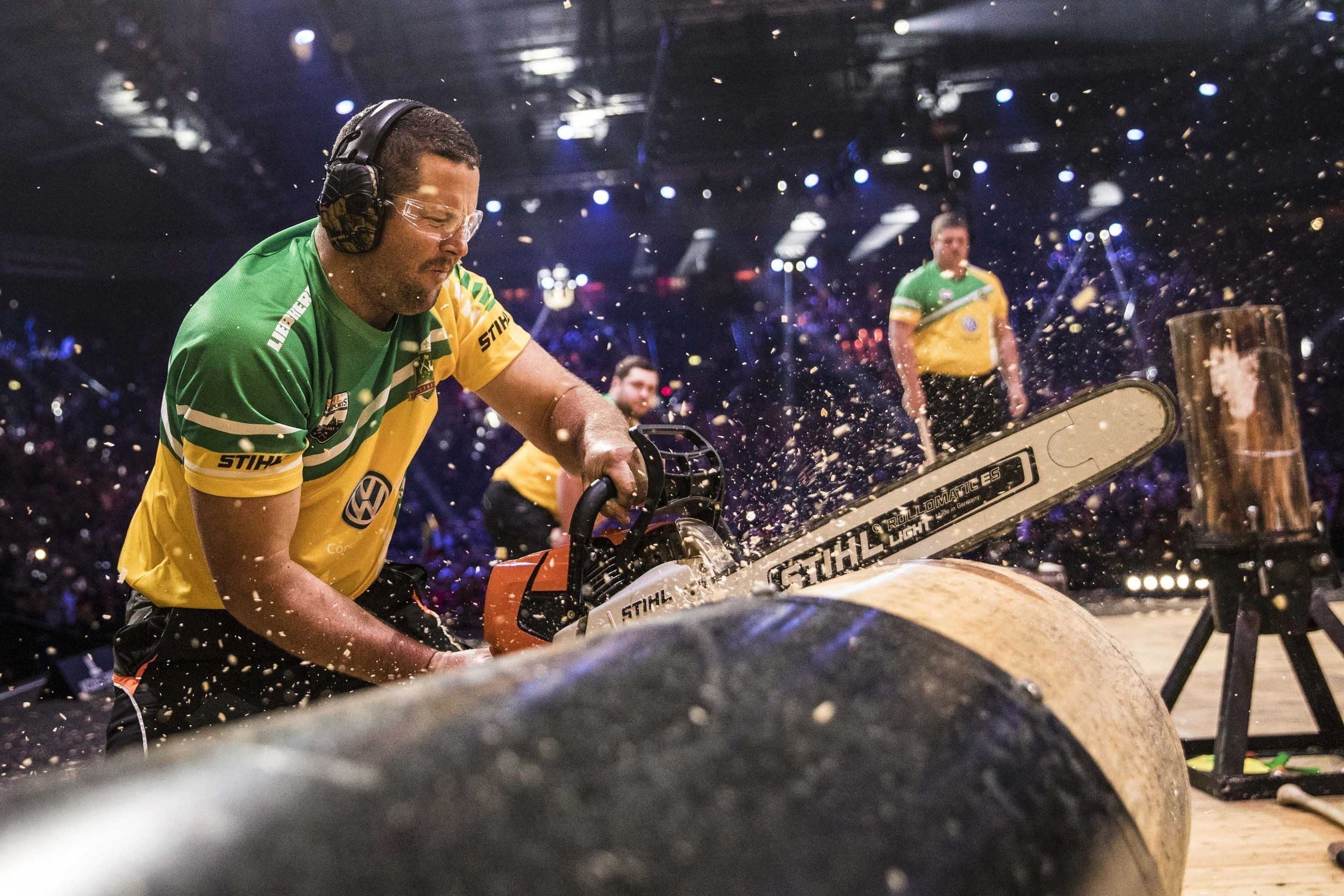 Already the day before the team race was on: Team Australia took a mere 46.45 seconds to demolish four big logs with the axe and saw, thus establishing a new world record. Hence, they became the new Team World Champions in the end. (PRNewsFoto/STIHL TIMBERSPORTS Series)