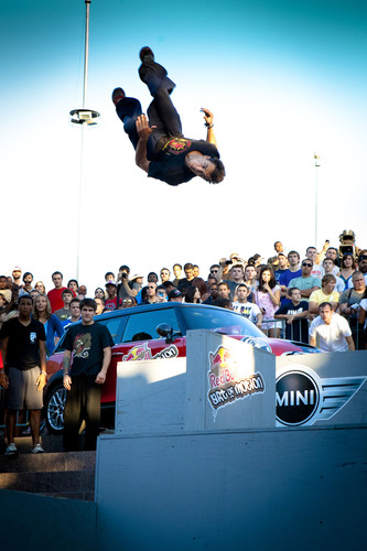 Marcus Gustafsson Vaults to Victory at Red Bull Art of Motion Detroit