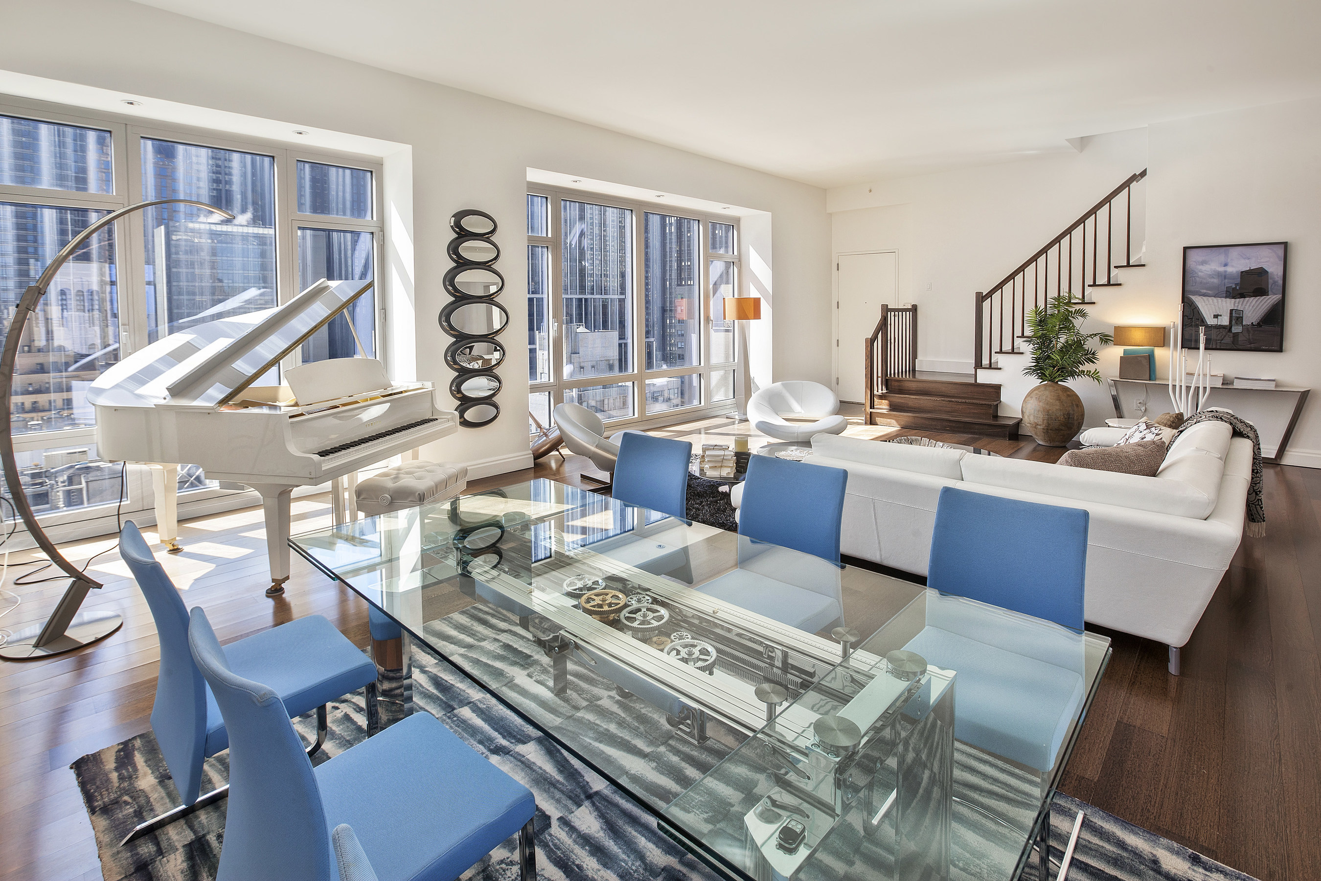 New York Residence and Roche Bobois Furnish Penthouse in Midtown Manhattan